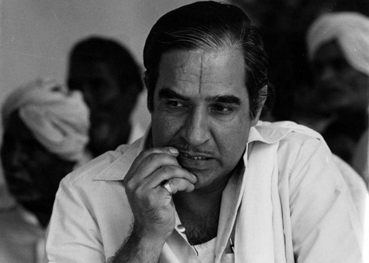 Birthday Greetings to the veteran actor and theatre artist Kulbhushan Kharbanda, who turned 73 today. (21-10)