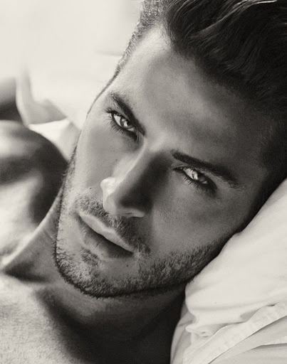 Those eyes... that scruff <3 Leandro Lima