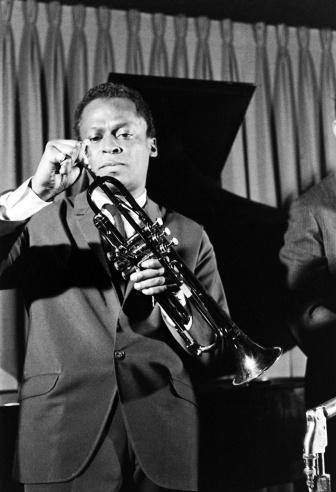 Miles Davis Biography