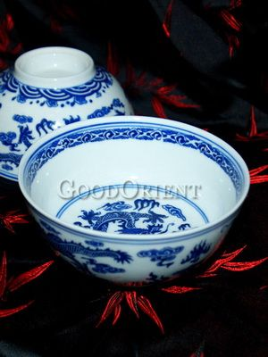 Excellent White And Blue Porcelain Dragon Plate