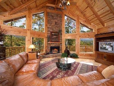 VRBO.com #441298 - Enjoy Mountain Views in This Huge 4 Bedroom True Log Cabin in Gatlinburg
