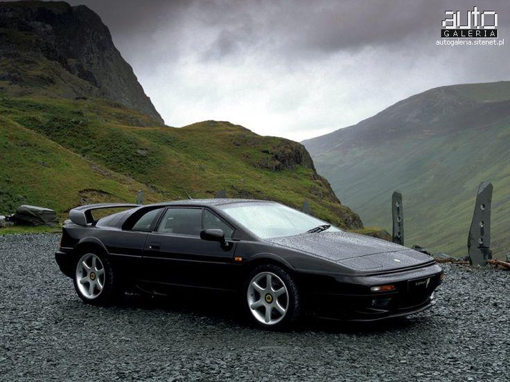 Lotus Esprit V8 Bi-turbo - No llega a ser un super auto, pero siempre me pareció de los mas elegantes.