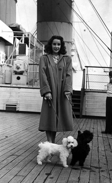 Elizabeth Taylor on the Queen Mary