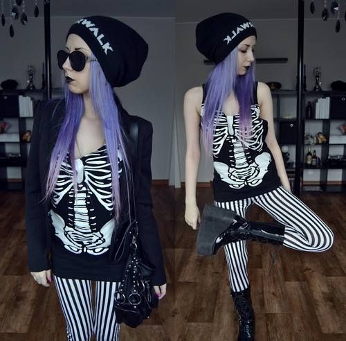 Love this outfit. Pastel Goth
