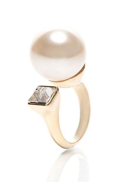 inel auriu cu perla sintetica http://pretoferta.ro/inel-auriu-cu-perla-sintetica