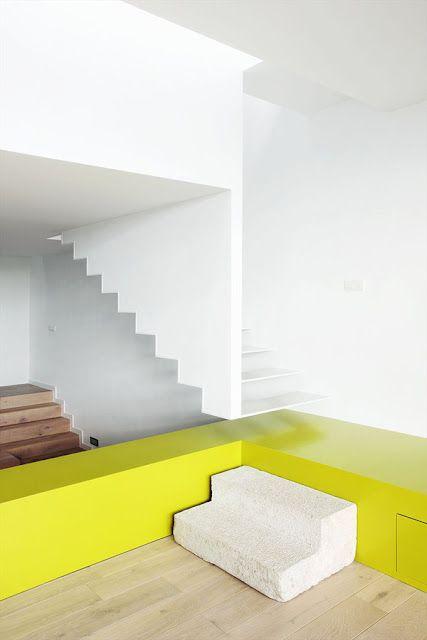 minimalistic interior - white vs colorful (1)