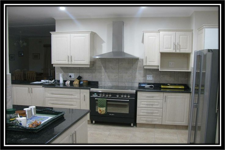 Wrap kitchen with capping