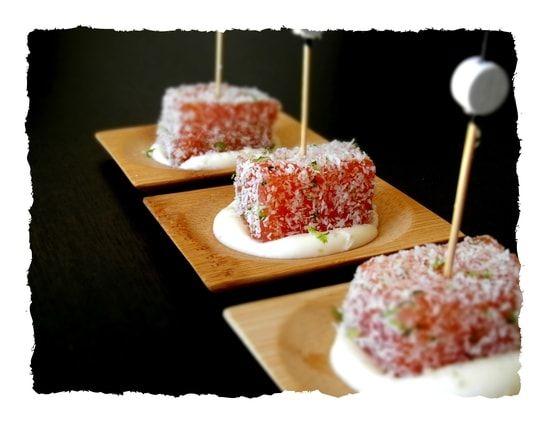 Recette de Dés de saumon en chapelure de coco et citron vert, crème au yuzu : la recette facile