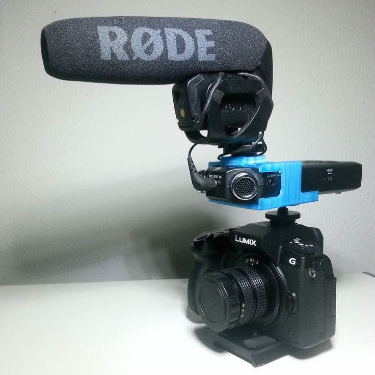 And its done my first working prototype printed with my own M3D printer. Its a holder for the Tascam DR-05 with hotshoe mount to mount a microphone on top like the Rode Videomic Pro here. #3dprinter #3ddesign #3dprinting #3dprint #tascam #tascamdr05 #rode #rodevideomicpro #rodevmp #panasonicg7 #prototyping #prototype #filmgear #filmmaker #filmequipment #diy #chungdha by chungdha