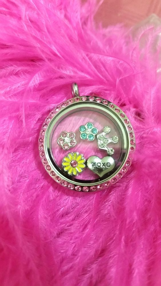 Beautiful pink girly czech crystal medium round locket with floating charms