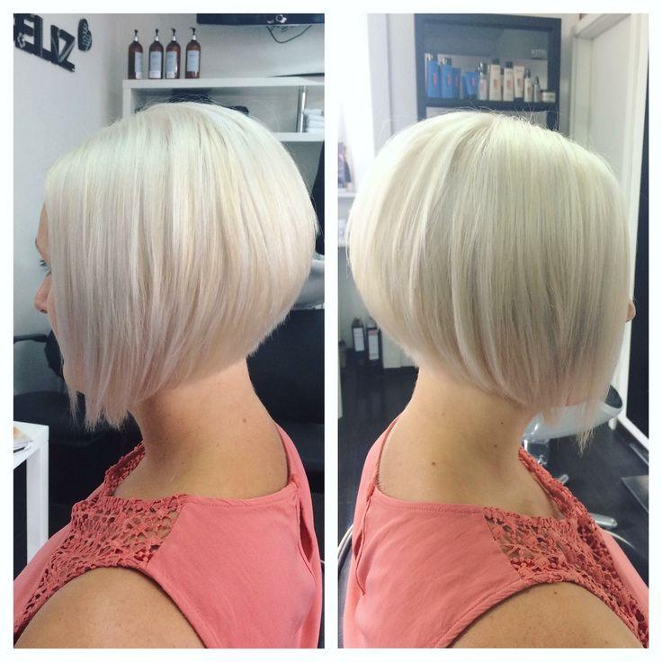 Cheveux blonds platine. White hair. Carré plongeant