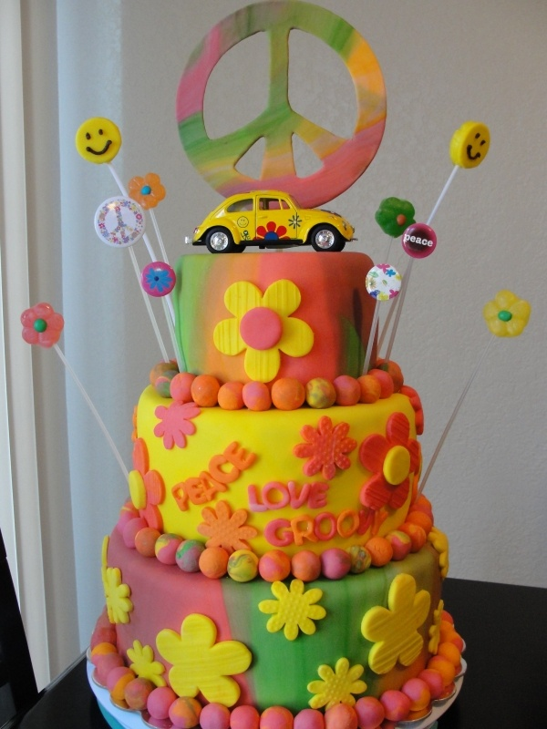 The 60's live on - i want this cake for my 60th birthday since I was born in 1960.  Very Awesome!