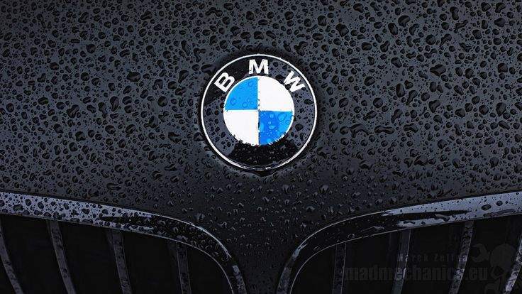 The BMW M3 is now thirty years old, and the German automaker celebrated this by unveiling two new special variants to mark this milestone, as well as a couple other vehicles for the Japanese market.