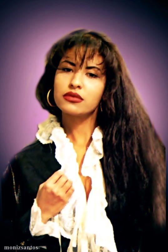 """SELENA """" Amor Prohibido photoshoot """"  FACEBOOK. https://www.facebook.com/Selena-Quintanilla-Reyna-por-Siempre-233256863447242/"""