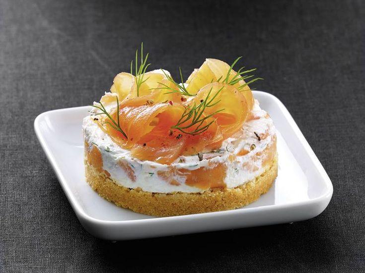 Avec les lectrices reporter de Femme Actuelle, découvrez les recettes de cuisine des internautes : Cheesecake au saumon fumé