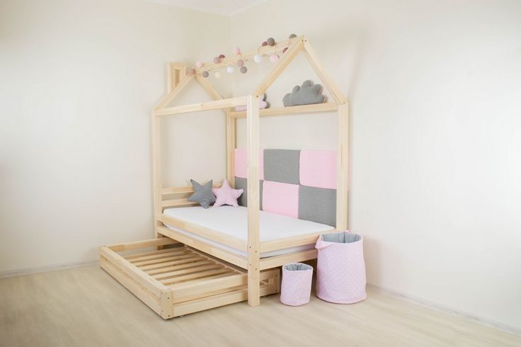 Children´s house bed