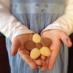 Buongiorno!!!! ^_^ I miei preferiti sono i saccottini al cioccolato o i croissant di L.Montersino, ma questa è una valida alternativa!! Oggi è il compleanno di mio marito e....ecco l'occasione per provare queste deliziose briochine!!! ^_^ Ho visto la ricetta qui, ma ho dimezzato le dosi e quind…