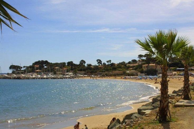 Camping L'Étoile d'Argens 4* à Fréjus St-Aygulf - Homair Vacances. Une authentique oasis de verdure entre Fréjus et St-Aygulf. Idéalement situé pour découvrir le meilleur de la Côte d'Azur, idéalement équipé pour des vacances en famille placées sous le signe de la qualité et du confor