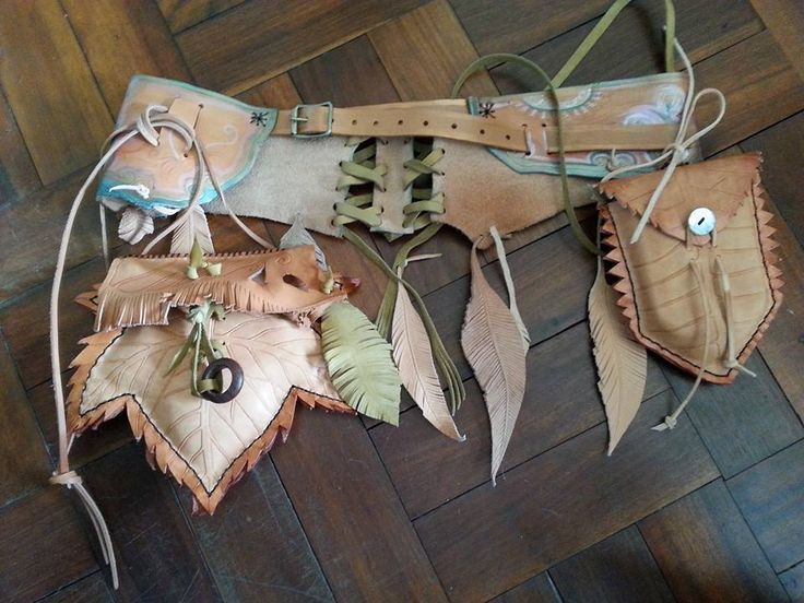 Unique Festival Belt, Handpainted, Handtooled , with Corset Detail, with two detachable Leaf Bags/Pouches with Leather Feather Trims