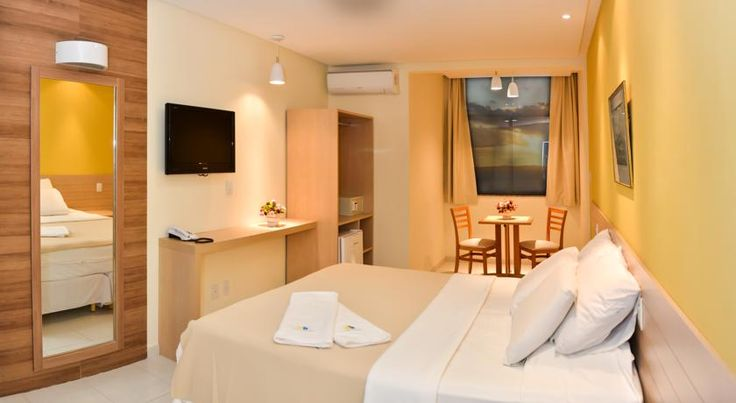Hit Hotel Salvador Hit Hotel is located in front of Porto da Barra Beach, 5 km from Pelourinho and 1 km from Barra's Lighthouse. WiFi access free and provided throughout.  Rooms are equipped with air conditioning, flat-screen TVs and a minibar.