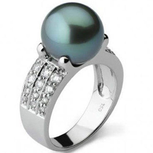18k white gold ring with a Tahitian pearl set with 30 diamonds. Round Tahitian cultured pearl (11mm) Quality D Rambaud http://www.amazon.co.uk/dp/B00A6BB7VY/ref=cm_sw_r_pi_dp_hnjLub1YWVBKW
