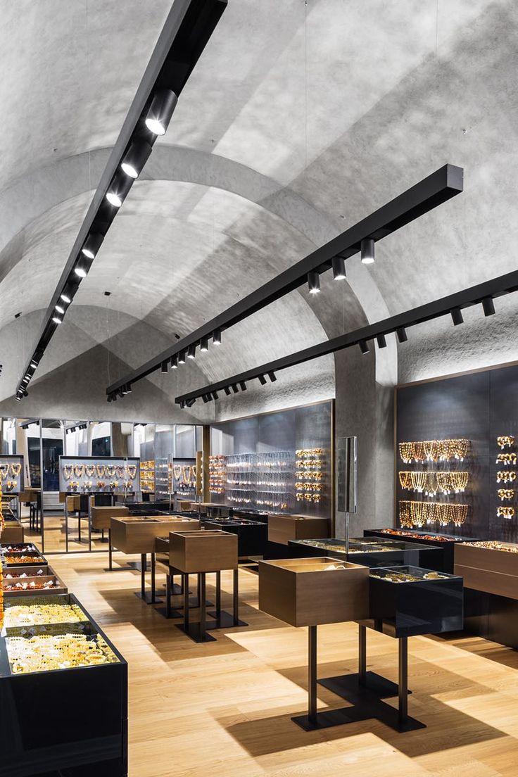 amber art flagship store st petersburg russia - Store Design Ideas