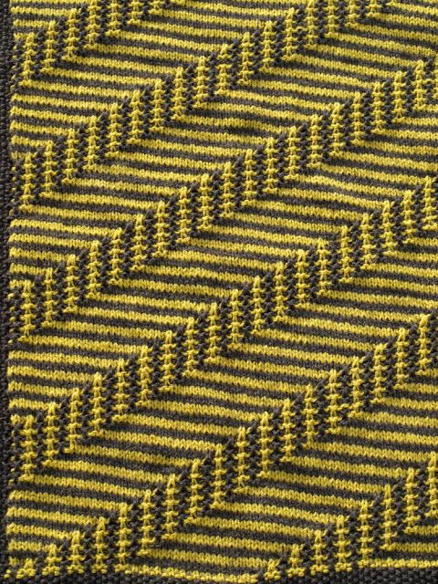 Yarn and Old Baby Carpet 2 - finished and in use - click to the designer on Ravelry - could be an interesting pattern to adapt for the machine?