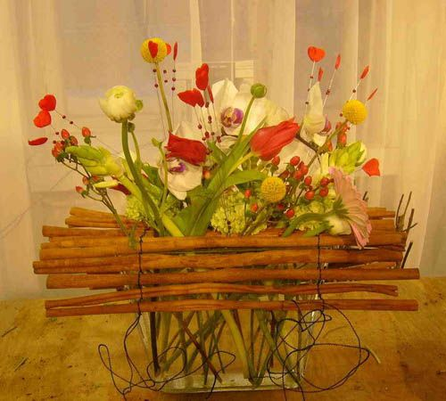36 best images about floral design class 2015 on pinterest for Contemporary table arrangements