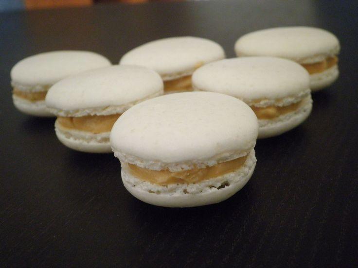 Macarons uden sort magi og Hjemmelavede Macarons med kaffecreme
