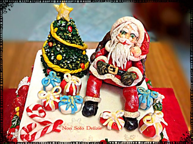 Torta natalizia realizzata come base per cupcake a tema | Non solo delizie