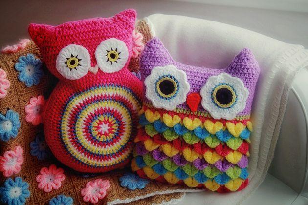 crochet owl cushions