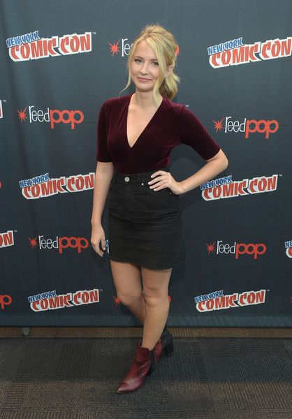 Eliza Bennett Photos Photos - Actress Eliza Bennett attends the Sweet/Vicious press junket at New York Comic Con at Javits Center on October 7, 2016 in New York City. - 'Sweet/Vicious' at New York Comic Con