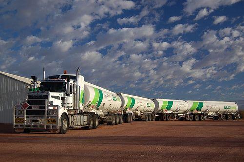 Australian Road train #fuel #transporte #lorry truck Via…