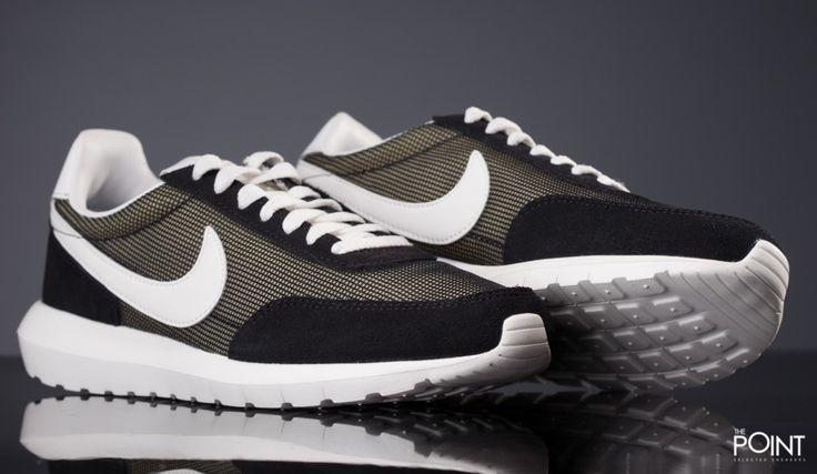 Zapatillas Nike Roshe Daybreak NM Negro, presentamos la última novedad de #Nike para su #NuevaColección #Primavera Verano 2016, la fusión de dos modelos imprescindibles para la marca de #Oregon, el clásico retro #Daybreak y el joven #Roshe Run, todo elo en una silueta excepcional, que ya tienes disponible en varias combinaciones en nuestra #SneakerStore #ThePointSelectedSneakers: http://www.thepoint.es/es/zapatillas-nike/1819-zapatillas-hombre-nike-roshe-daybreak-nm-negro.html