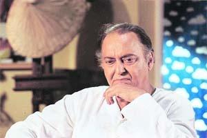 2011 Dadasaheb Phalke Award goes to actor Soumitra Chatterjee