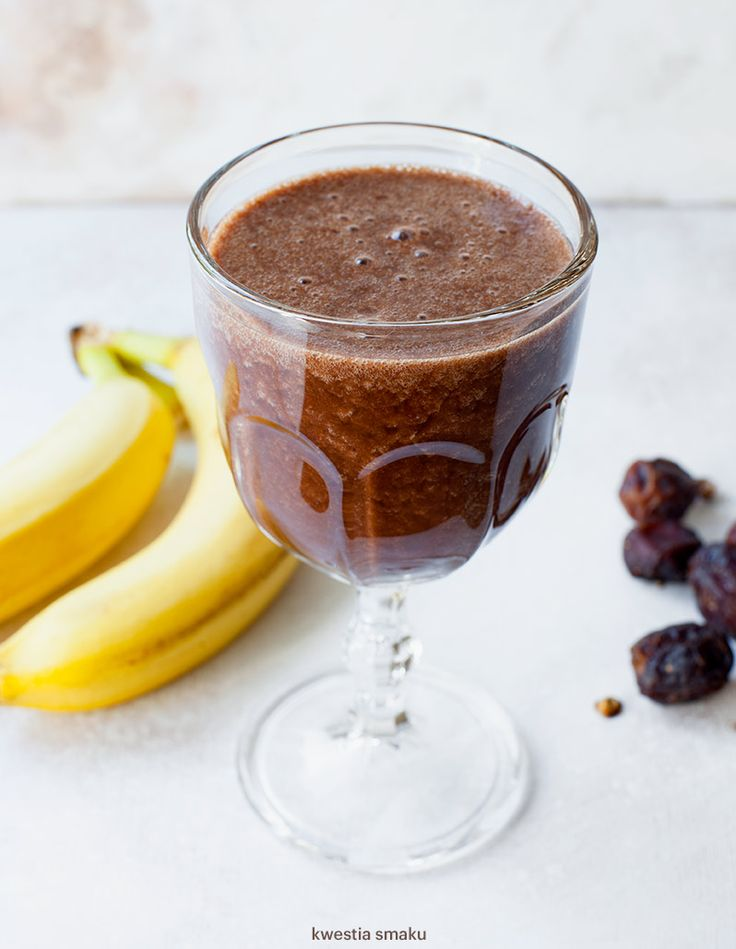 Kakaowe smoothie z daktylami