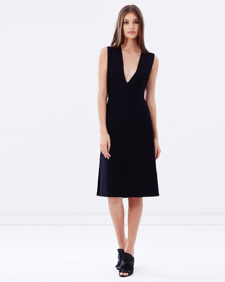 ISLA  - Radian Dress Black
