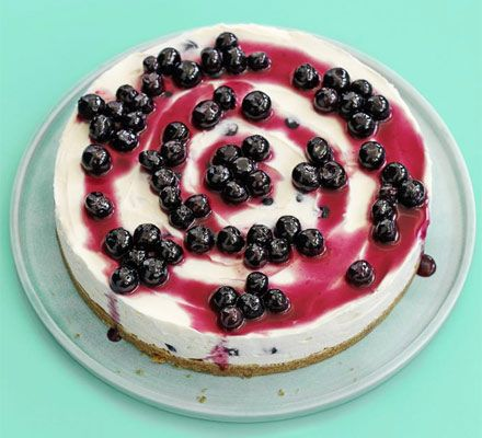 Vanilla Blueberry Cheesecake. Just made this. Amazingly simple and utterly delicious. x