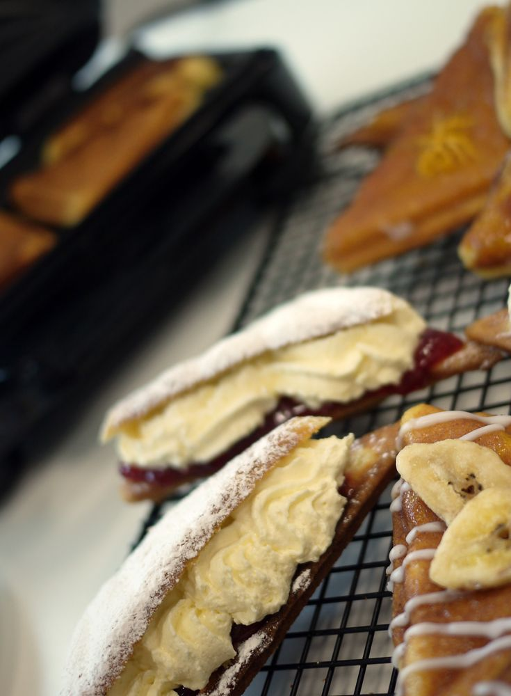 Breville® Sandwich Toasted Cakes click for recipe http://www.turnonyourcreativity.com/recipes/breville-sandwich-toasted-cakes