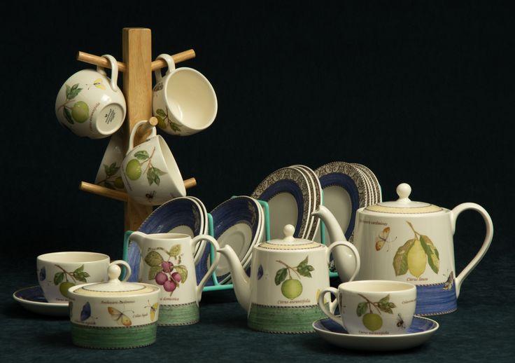 Wedgwood Sarah's Garden Queen's Ware 1997 Tea Service 18 pieces.  Thrift Store find $60.