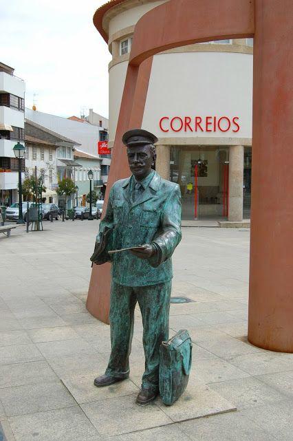 Homenagem ao Carteiro - Bragança - Portugal . . . // Homenaje al cartero , Braganca , Portugal . . .