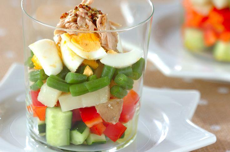 ニース風のおしゃれなサラダ。グラスに盛りつけるのがポイント♪サラダ・ニソワーズ[洋食/サラダ]2012.12.24公開のレシピです。