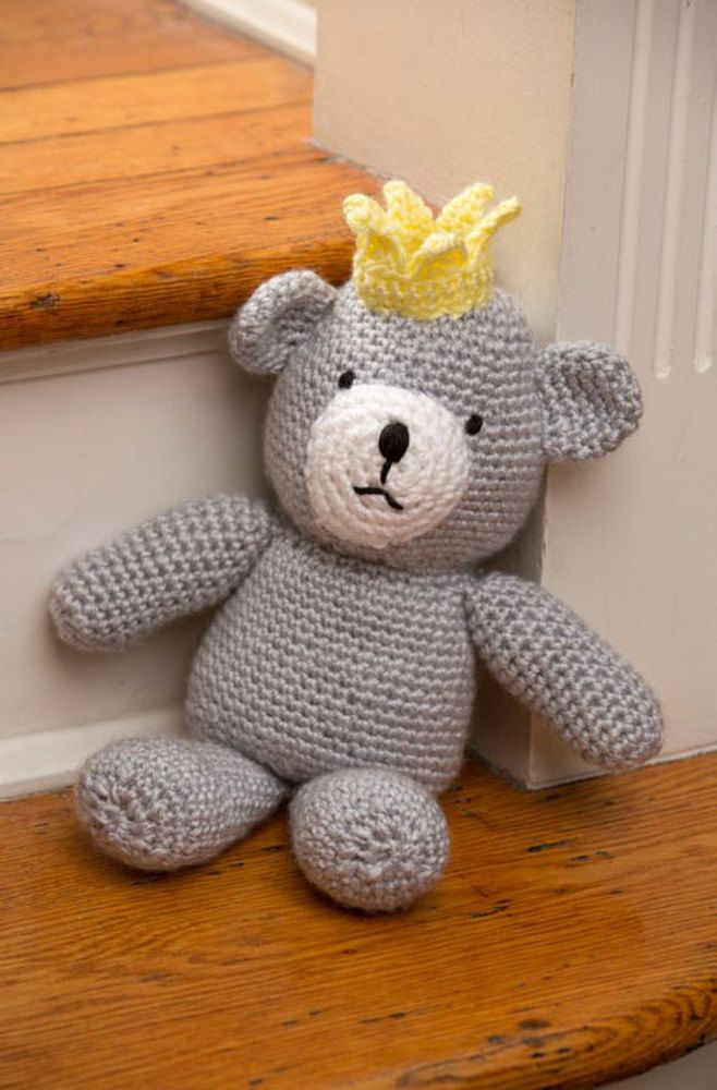 Birthday Bear for a Prince in Red Heart Soft and Soft Baby Steps - LW4389EN - Downloadable PDF. Discover more patterns by Red Heart at LoveKnitting. We stock patterns, yarn, needles and books from all of your favorite brands.