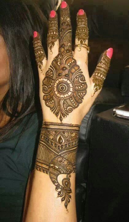 Mehndi - insanely detailed