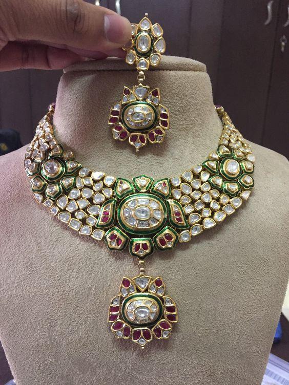 dcc4f667ef3496 Pin by Uncut Polki Jadau jewellrey mi on Uncut Diamond Polki jadau Jewellery  | Jewellery, Jewels, India jewelry