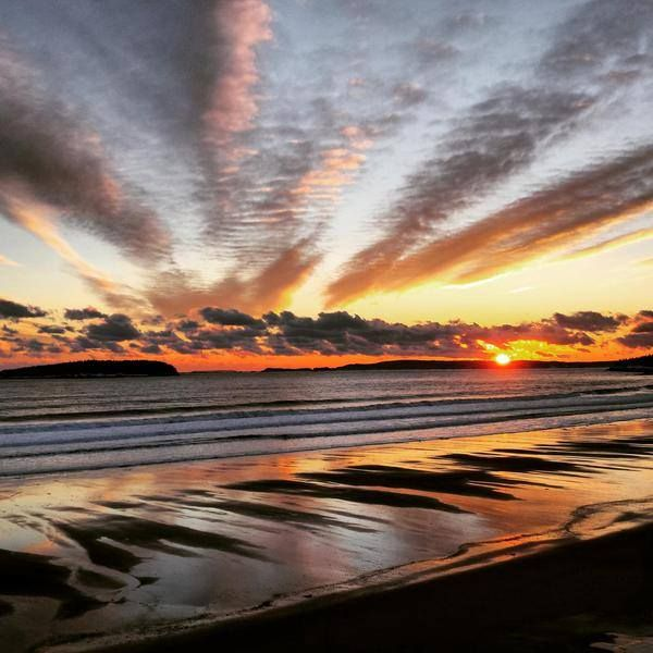 Chase the sunset at New River Beach. // Salutation au soleil sur la plage de New River Beach. Photo: @docryanmoore / Twitter #ExploreNB