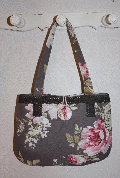 -traumhaft schönes kleines Handtäschchen für die Romantikerin  -Baumwolltasche in zauberhaften Blumendesign in braun-rosa Tönen  -abgefüttert i...
