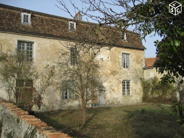Maison de Caractère dans Centre Bourg