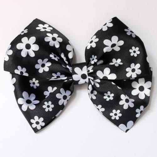 Lazo flores blanco negro [0]