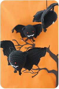 bats- free  crochet pattern, will need to log on to site.